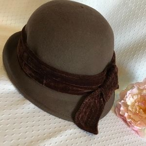 """Brown Felt Hat with Bow 22"""""""